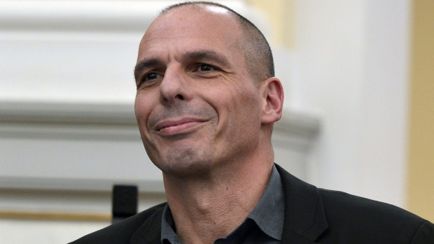 Varoufakis parla dell 'emergenza migranti - Video