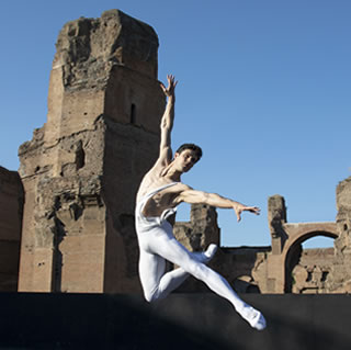 Teatro dell'Opera di Roma: Roberto Bolle and Friends alle Terme di Caracalla