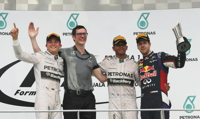 F1, Hamilton vince in Malesia, Rosberg secondo, Alonso quarto